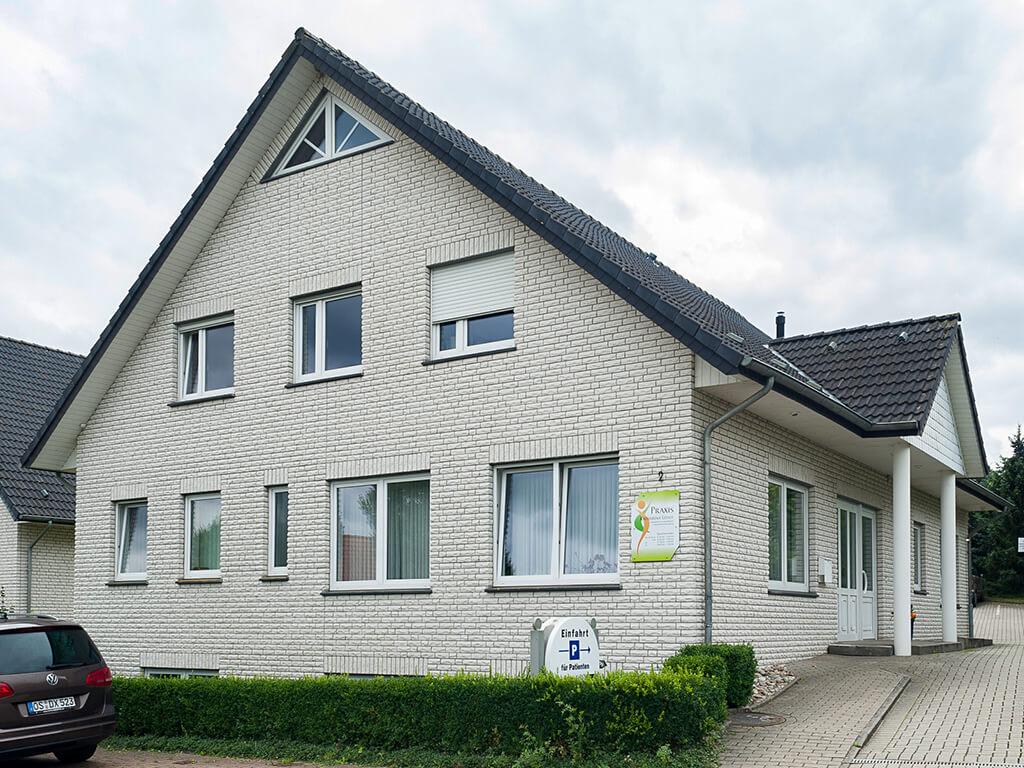 Praxis Katharina Leisle von außen - Hausarzt Bissendorf